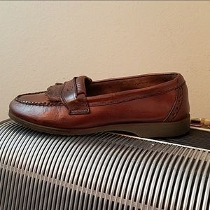 AWESOME AEO BROWN LEATHER PENNY LOAFERS